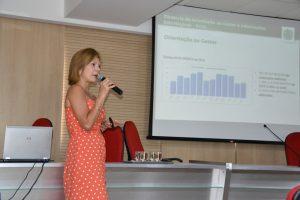 17.02.2020 - Secretária Érika Lacet, em palestra na PGE (3)
